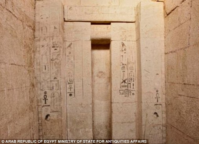Archaeologists at Abusir Archaeological Cemetery at Giza have unearthed the final resting place of Shepseskaf 'ankh